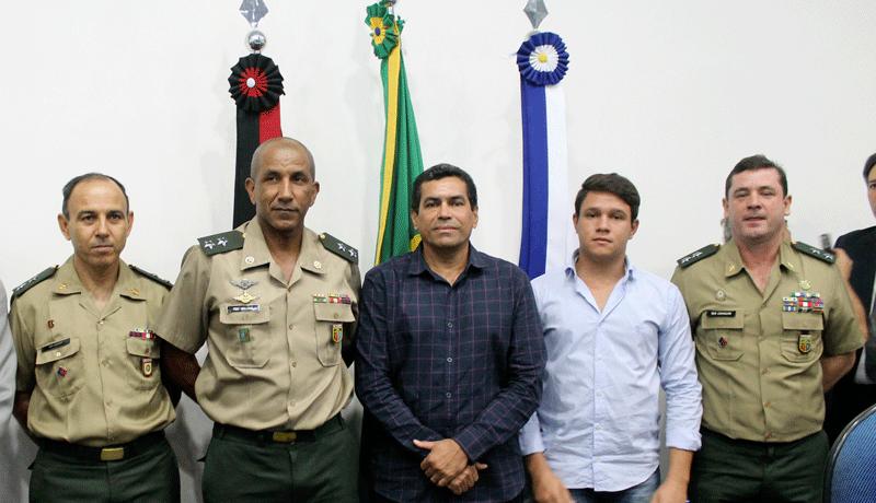 EMPOSSADO O PRESIDENTE E SECRETARIO DE SERVIÇOS DA JUNTA MILITAR DE IGARACY.