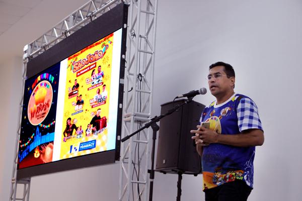 Em Patos, Lídio Carneiro mostrou e divulgou toda a programação junina de Igaracy para o público