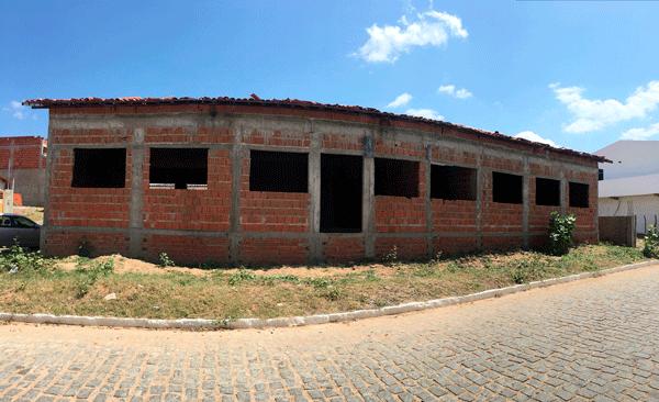 PREFEITO DE IGARACY COMEÇA CONSTRUÇÃO DE CRAS