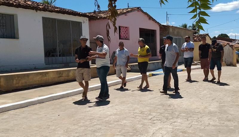 Prefeito de Igaracy, visita obras de calçamento e recebe o reconhecimento dos moradores